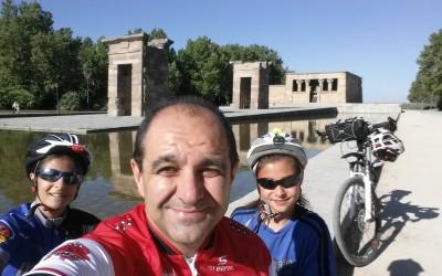 Circulando en bicicleta por Madrid un día festivo